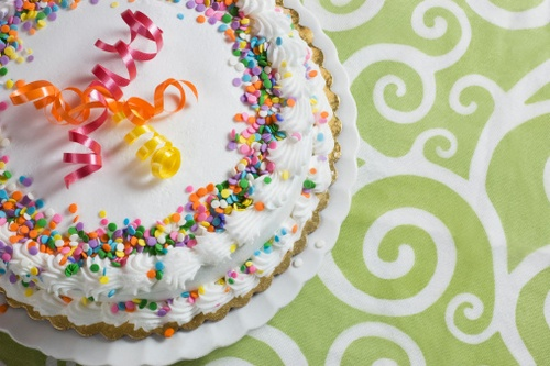 Come decorare una torta con la panna montata tante idee for Decorazione torte con smarties