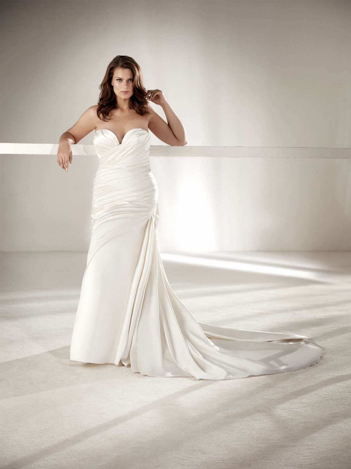 Vestiti da sposa Pronovias Plus 2018
